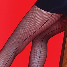 Scarlet Fishnet Seamer tights